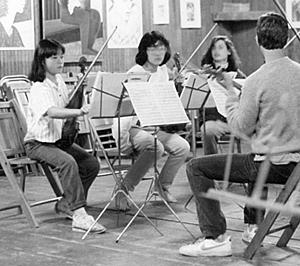 サマーコースグリーンウッド室内楽コースで(11歳/左端)