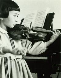 ヴァイオリンの発表会で(小学1~2年ころ)